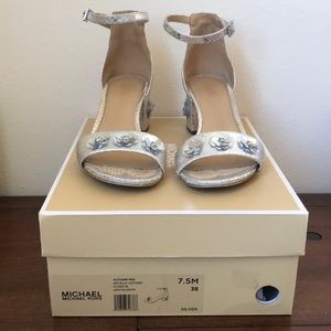 Micheal Kors - Autumn Mid Sandals in Silver